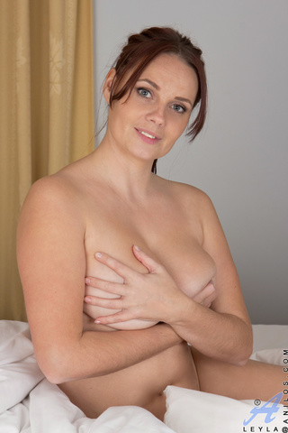 brown haired angel sexy