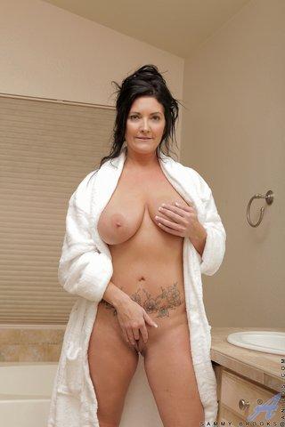 wet mature mom big