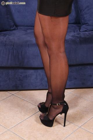beautiful blonde feet