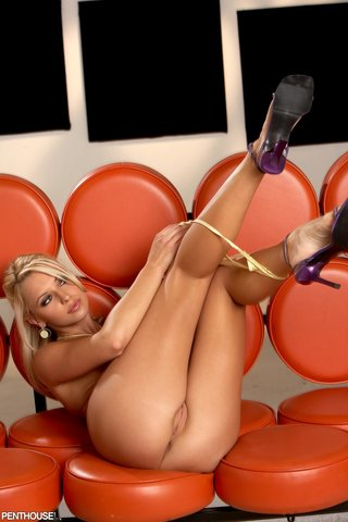 Penthouse Threesome Blonde Brunette