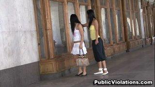 strutting street show slim