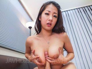 satomi suzuki asian boobs