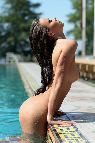 brunette ukrainian babe