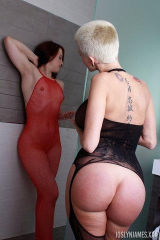 american lesbian shower