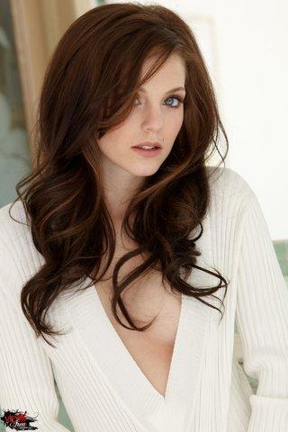 vip brunette