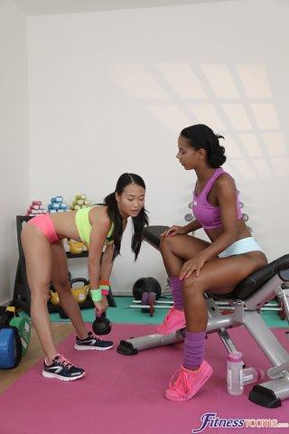 czech asian lesbians