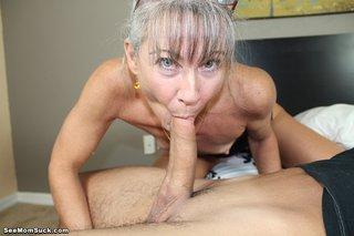 mature american mom