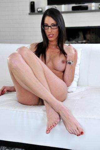 brunette feet licking