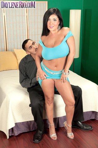 latina hot brunette big