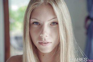 model russian blonde