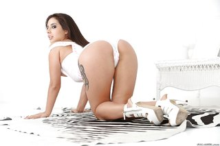 lovely booty latina