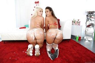 big butt lesbian stockings