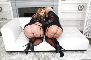 lesbian mature stockings anal