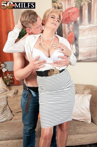 british sex mom