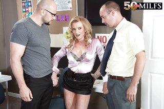 naked threesome fucking