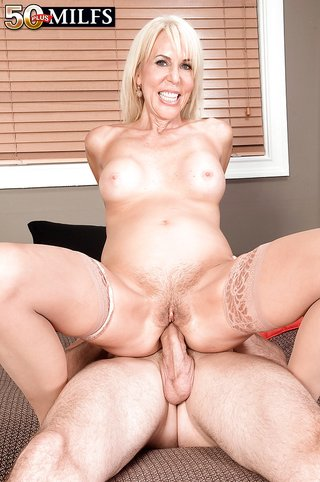 extreme mature hairy pussy