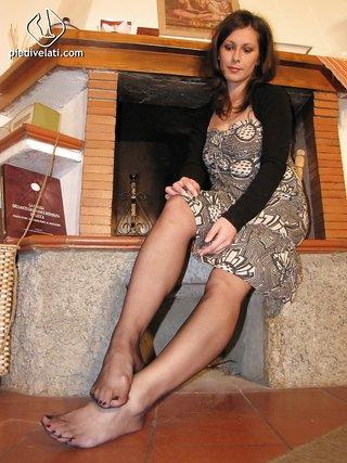brunette milf seduce