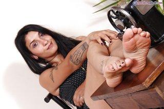 latina ballerina feet