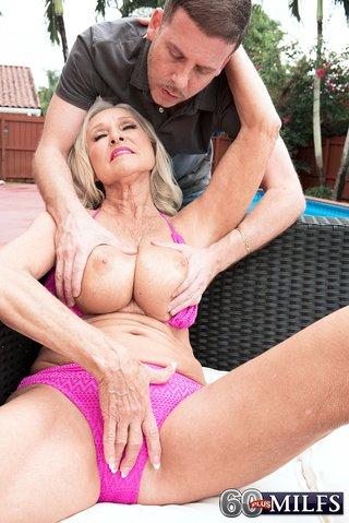 big boobs pool sex