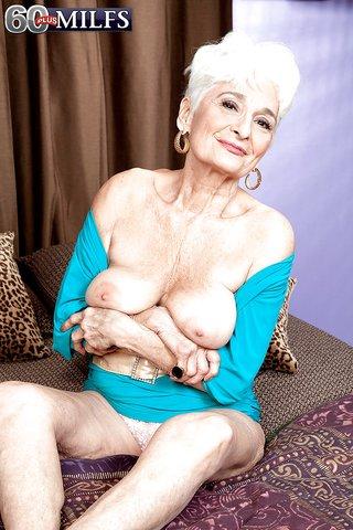 naked saggy mature fuck