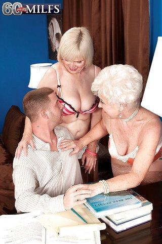 saggy tits friend threesome