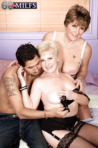 latina bbw threesome