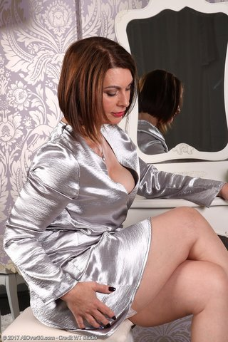 sexy mature stockings masturbation