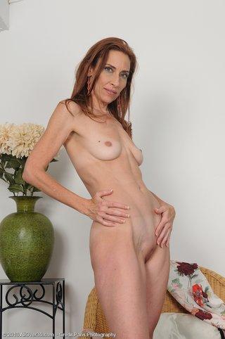 Skinny mature xxx