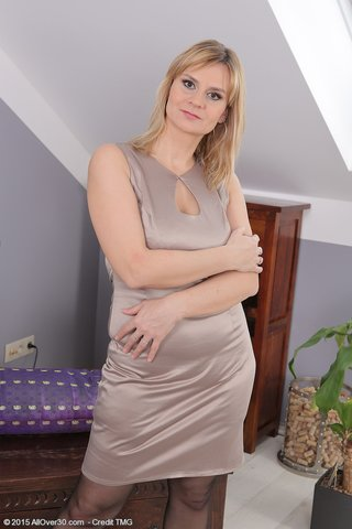 milf plump stockings