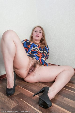 saggy tits mature hairy