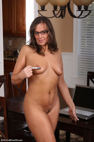 saggy tits tanned mature