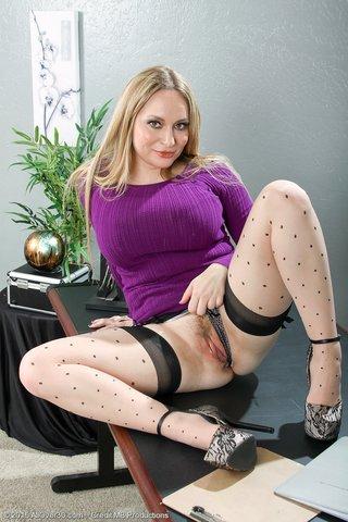 topless milf secretary
