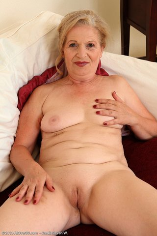 naked cameltoe