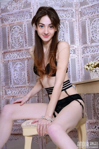 small skinny brunette teen