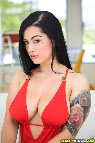 american model sexy tattoo