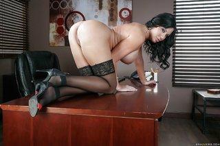 buxom undressing