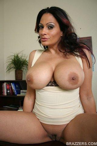 american latina mature brunette