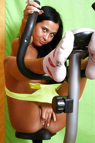 seductive big tits gym