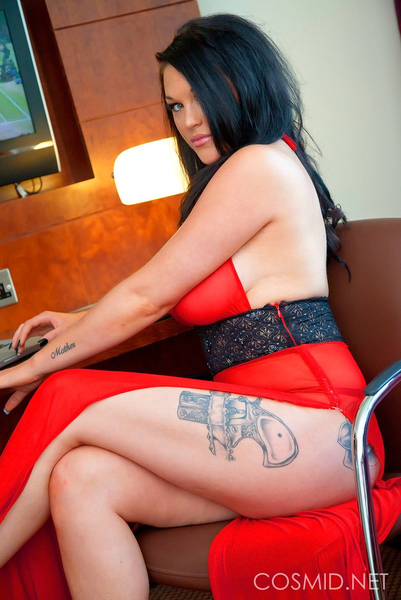 Amateur Brunette Wife Big Tits