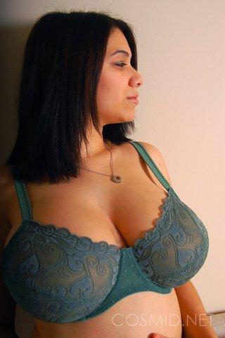 latina chubby brunette amateur