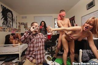 coed horny party