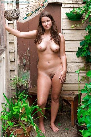 pretty amateur natural tits