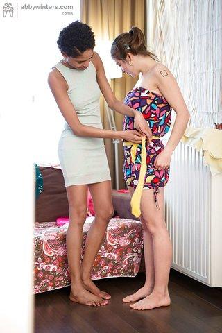 horny amateur ebony lesbian