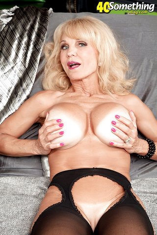 american stripping blonde solo
