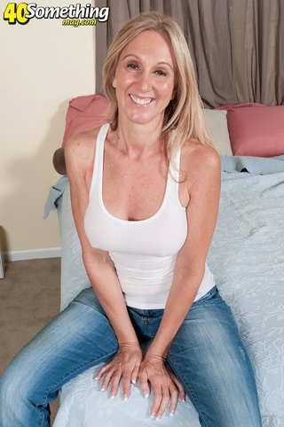 american ugly blonde wife