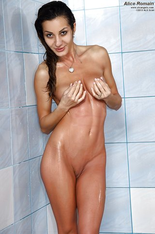 nude young lesbian amateur